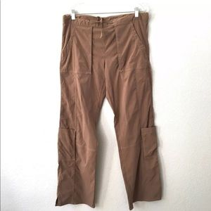 Womens Lucy Flex Cargo Crop Pants Roll Up Tabs Khaki Size Small Women's Clothing
